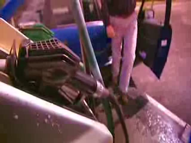 There Is a Reason You Should Never Put Gasoline into a Diesel Car