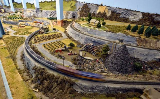 This Enormous Model Railroad Is the Biggest in the World