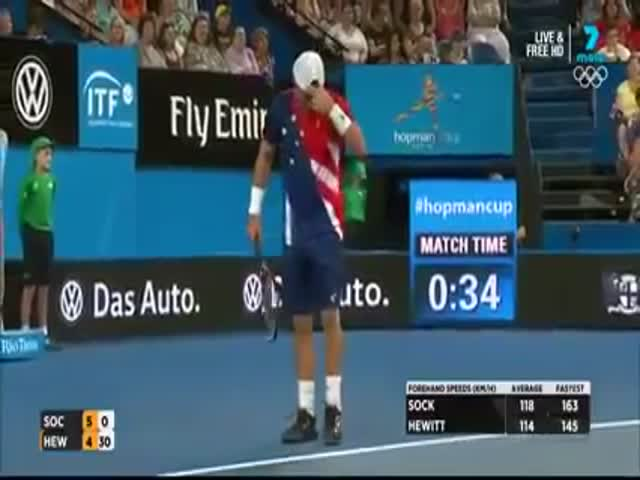This Tennis Player Should be Given an Award for Sportsmanship