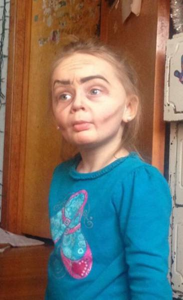 Aunt Turns Her Three Year Old Niece into a Sweet Old Lady