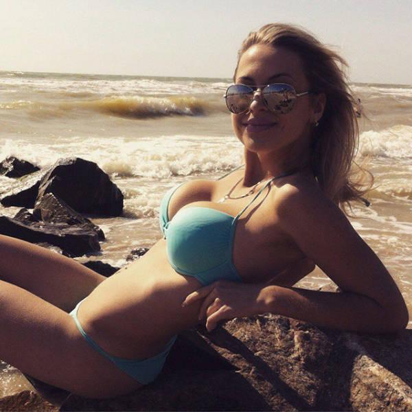 It's the Beautiful Bikini Babes Brigade