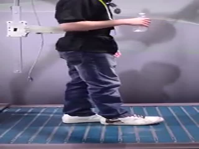 This Omnidirectional Treadmill Could be the Next Evolution in VR Gaming