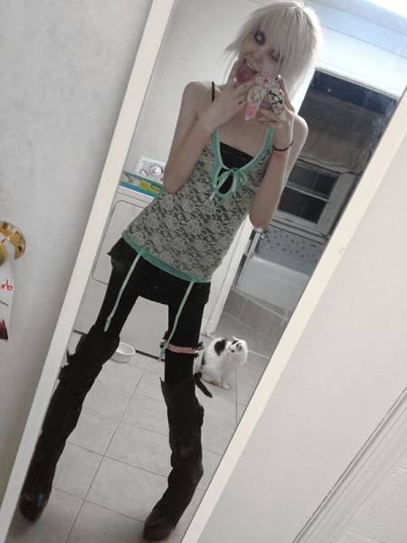 This Teen Is a Walking Skeleton and She Is Really Proud of It Too