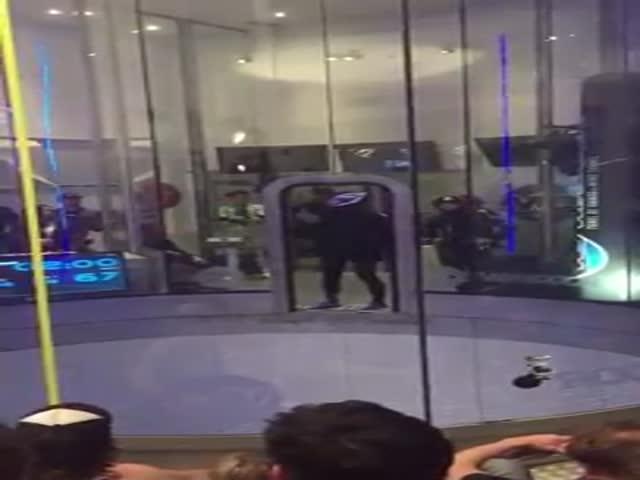 Great Dancing Performance in an Aerodynamic Tube