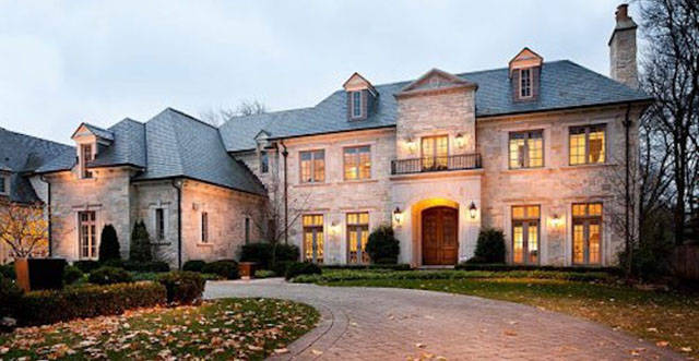 Luxurious Mansions of NFL Players