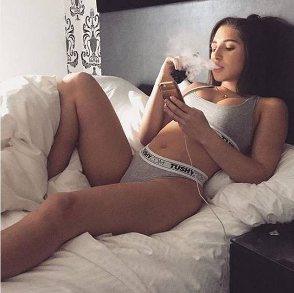 New Porn Star Is Rising: Abella Danger is the AVN award Winner