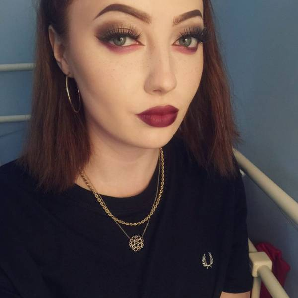 A British Teenager Shows the Real Difference Makeup Can Make in These Hard-hitting Before and After Pics
