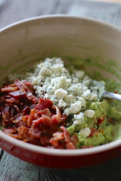 """The Top """"Chip and Dip"""" Recipes That You Need to Try the Next Time You Throw a Party"""