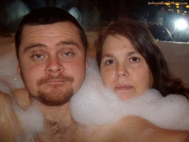 Awkward and Weird Family Shots Snapped on Valentine