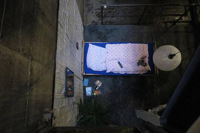 Secret Bedroom Found in The Subway Tunnels of Berlin