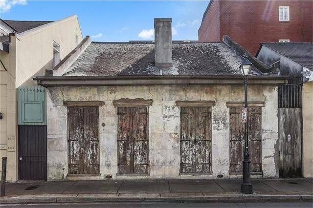 This 200-Year-Old Unremarkable House Will Surely Surprise You