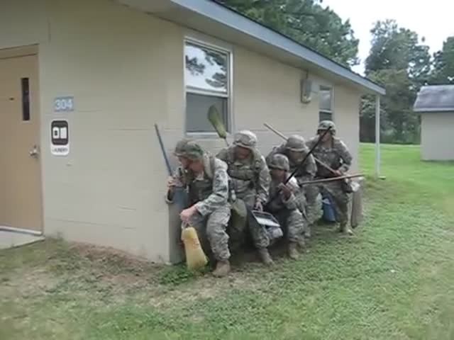 How Soldiers Do Cleaning Procedures