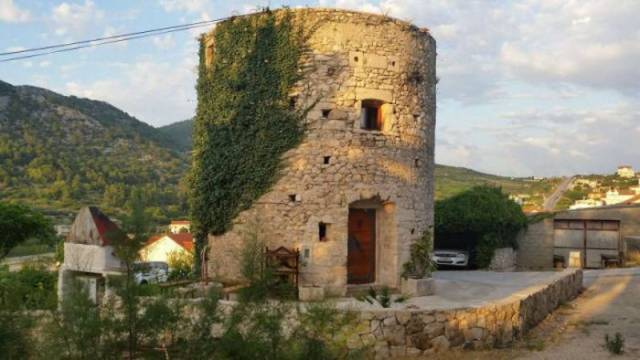 250 Year Old Tower In Croatia Was Turned Into A Cozy House