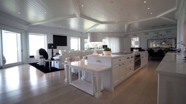 Celine Dion Puts On Sale Her Mansion And It Is Crazy