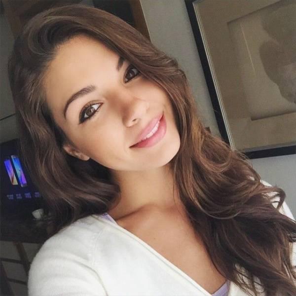 Beautiful Girls Make The World Go Around 58 Pics  1 Gif - Izismilecom-4666