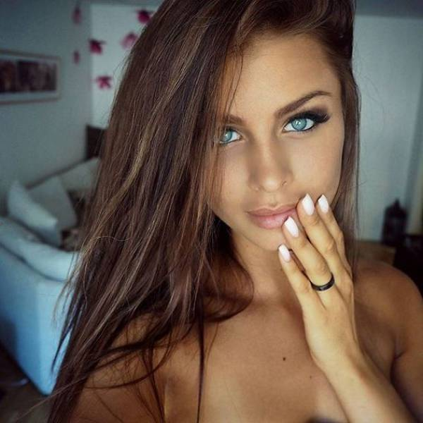 Natural Beauty Women: Beautiful Girls Make The World Go Around (58 Pics + 1 Gif