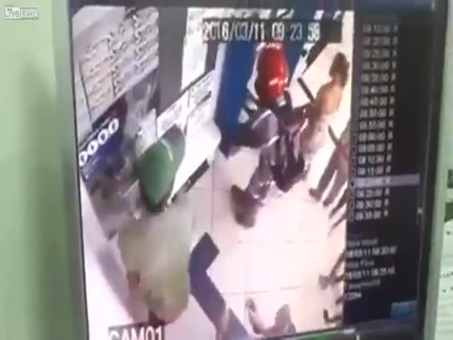 Confused Robber Has To Leave After His Gun Was Stolen By A Passerby