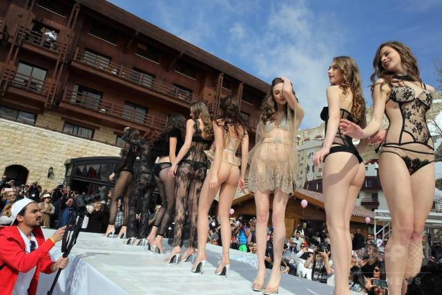 Half-Naked Beauties Walk-Through In Underwear At A Fashion Show In Lebanon