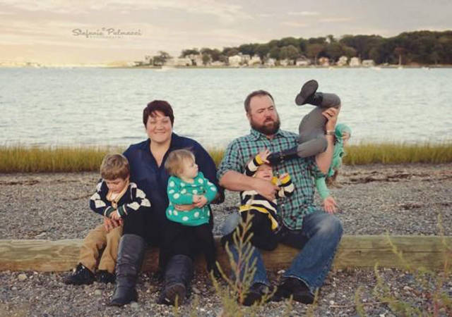 Kids Are Good At Ruining The Family Portrait