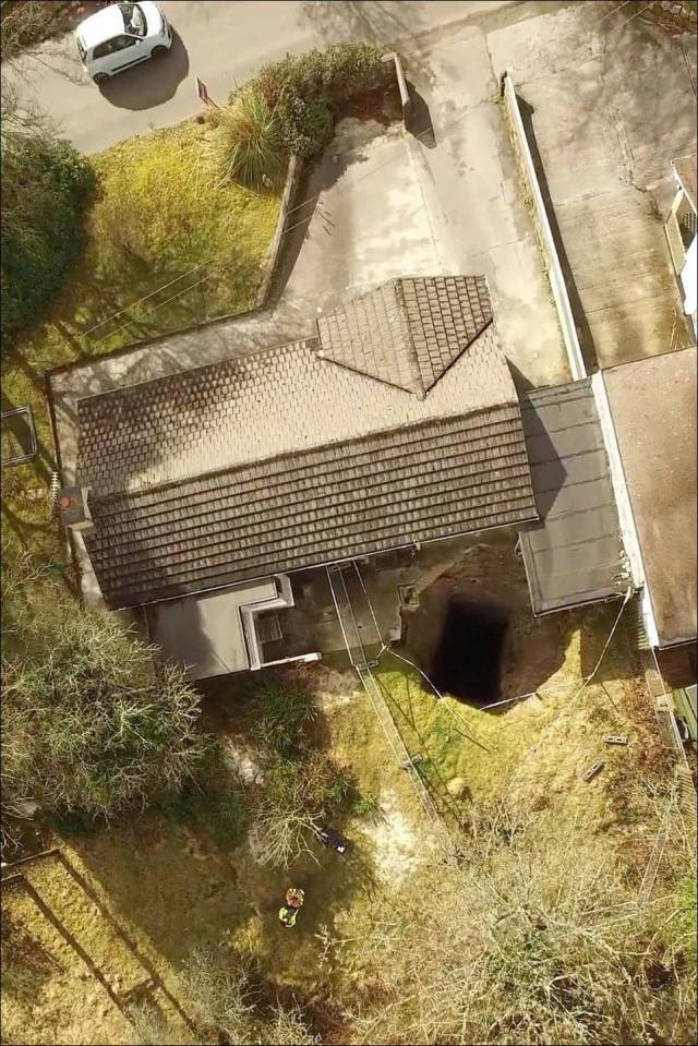 Huge Hole Opens Up Under A House In England