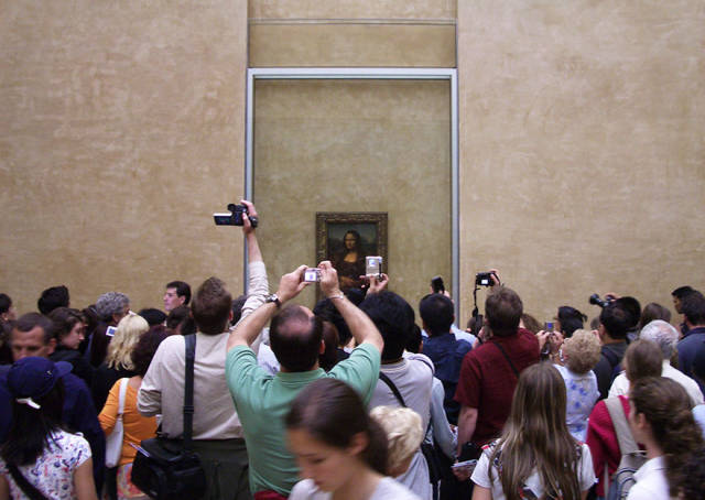 Photos You Expect Taking While Traveling vs Photos You Actually Take