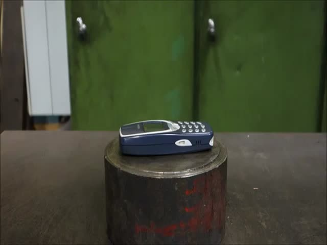 Nokia 3310 Vs Hydraulic Press