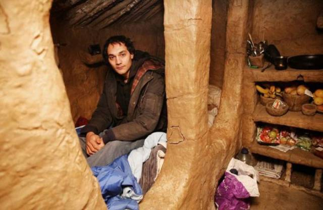 Man Lives In A Mud Hut He Built Just Outside The Outskirts Of London Woods