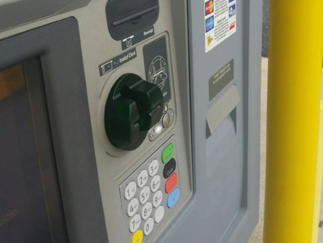 How To Avoid Your Credit Card Information From Being Stolen Through An ATM