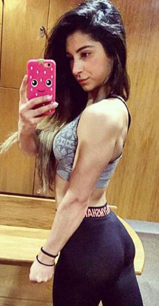 Formerly Anorexic Girl Enters A Bodybuilding Competition