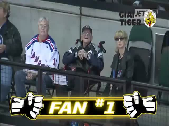 This Is How A 97 Y.O. Veteran And #1 Fan Of Winnipeg Jets Was Greeted After His Hospitalization