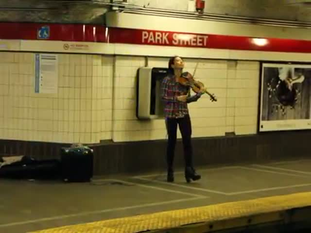 Incredible Performance Of A Talented Violinist In The Boston Subway