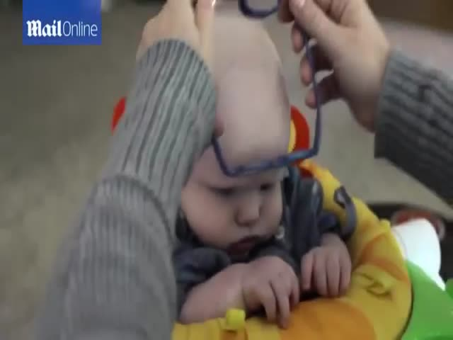 Baby With Rare Eye Disease Sees Mummy For The First Time And His Reaction Is Too Touching