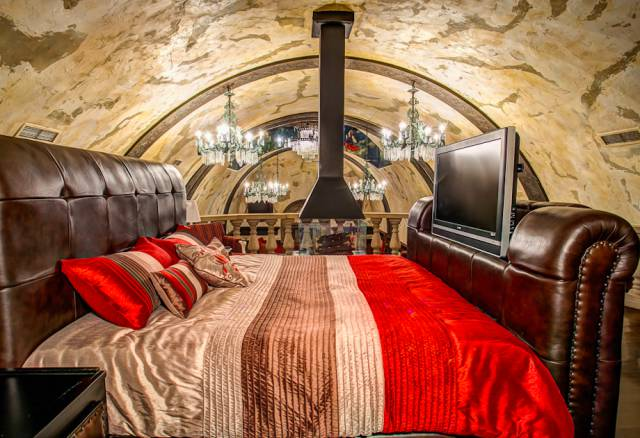 There Is A Badass Secret Castle In Montreal You Can Book