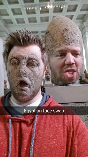 Guy Went To A Museum And Made Some Hilariously Creepy Face Swaps
