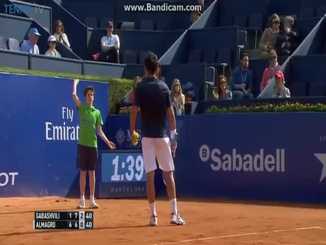 Ball Boy Awkwardly Faceplants Into A Wall At Tennis Tournament