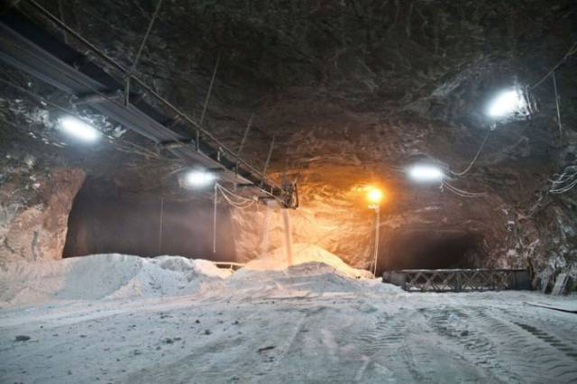 Inside Biggest Salt Mines Of Sicily