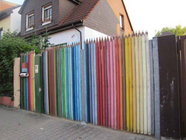Some People Know How To Use Their Yard Fences Right