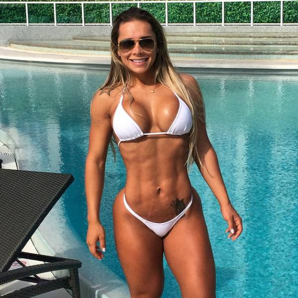 "After Being Called ""Chubby"" This Girl Became A Jacked Fitness Model"