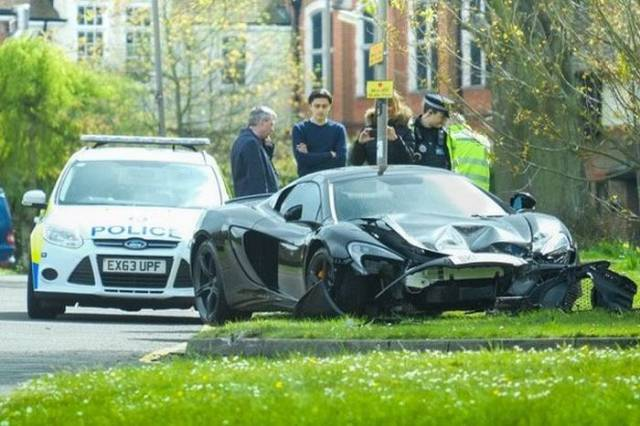 Guy Crashes A Brand New McLaren 650s Spider 10 Minutes After It Was Delivered