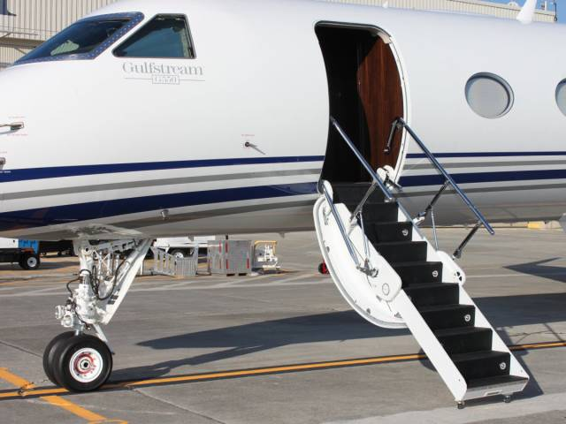 After Flying On A $61.5 Million Private Jet, A Guy Says The First Class Isn