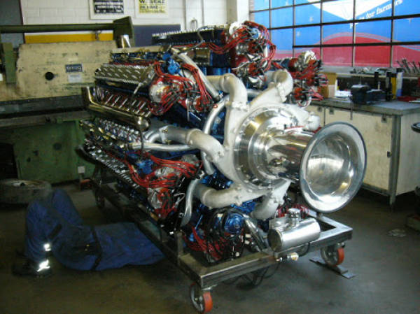 For All The Lovers Of Amazing Beauty Of Engines