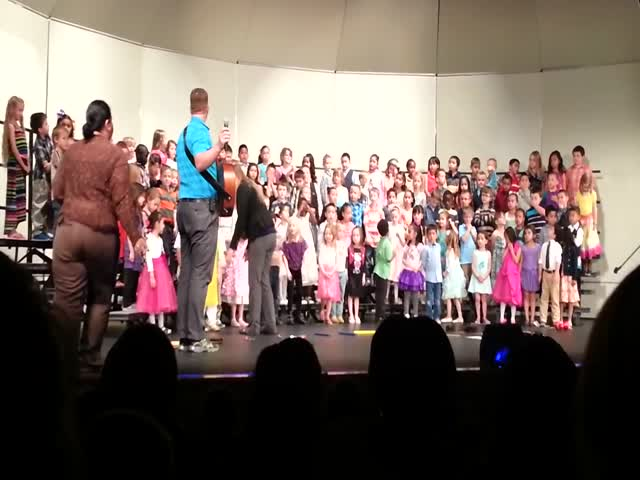 Racist Granpa Gets Kicked Out From Kindergarten Recital For Acting Like A Jerk