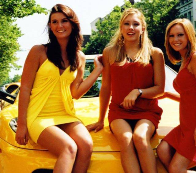 Hot Babes And Wheels For A Good Saturday Kickoff
