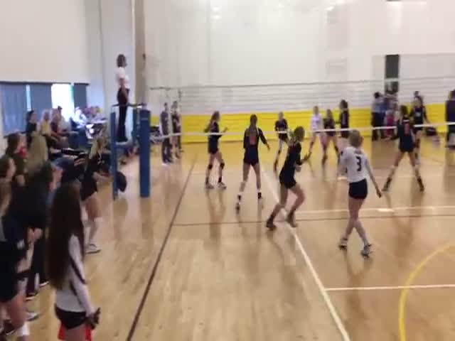 Female Volleyball Player Scores Inadvertently A Crush Point With Her Face