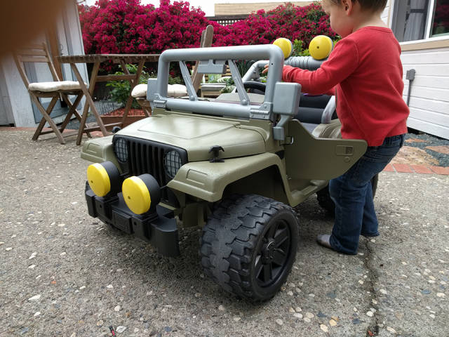 Dad Makes A Great Gift To His 3 Y.O. By Restoring Old Pink Power Wheels