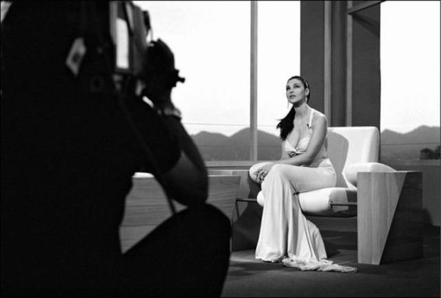 Behind The Scenes Black And White Photos Of Gorgeous Monica Bellucci At The Cannes Festival