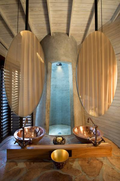 One Of The World's Greatest Wildlife Hotels Is Located In Botswana