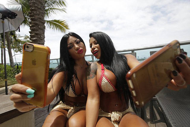 Twins Make $30K Per Month By Posting Their Huge Bums On Instagram