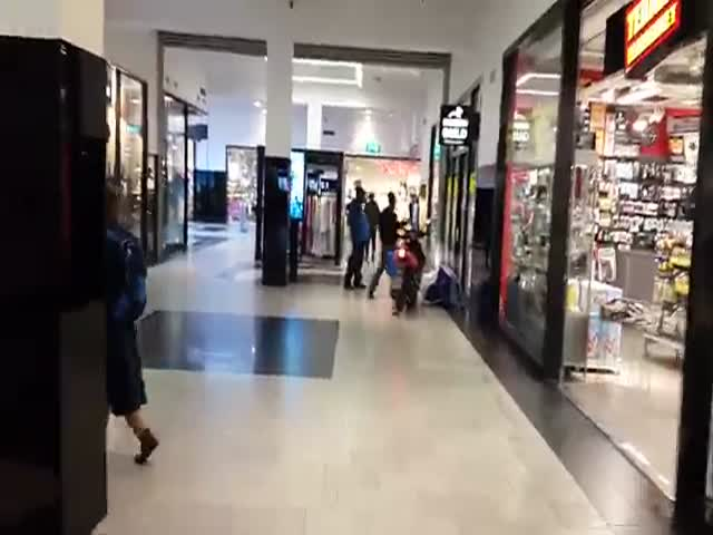 That's How Two Idiots Robbed A Watch Shop In Sweden