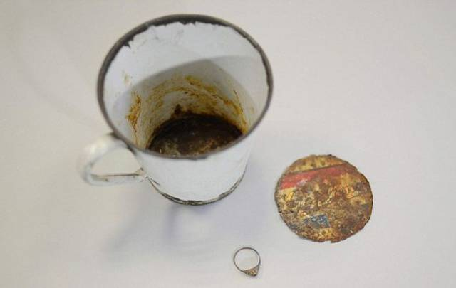 A Secret Treasure Was Discovered In An Auschwitz Mug That Was There For 70 Years